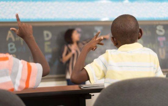Alfabeto - Lei da Educação Bilíngue de Surdos